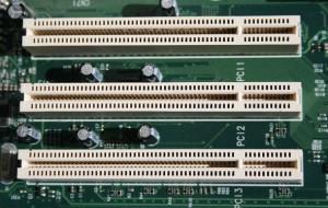 800px-PCI_Slots_Digon3-590x375
